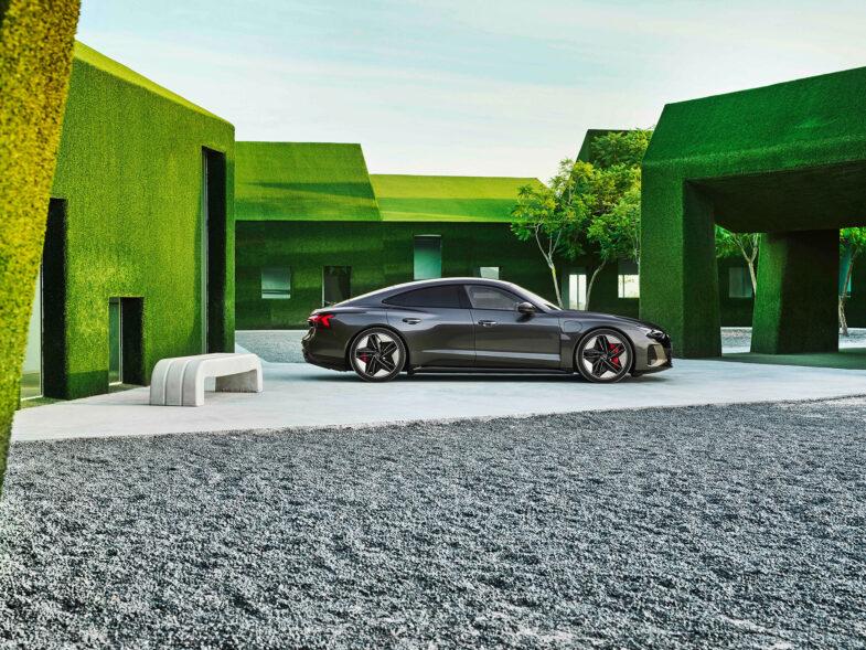 """Grün, elektrisch, vernetzt und Autonom – so stellen sich VW und Audi die Zukunft des Automobils vor. Bald soll dabei auch wieder der alte Audi-Werbeclaim """"Vorsprung durch Technik"""" gelten. Foto: Audi"""